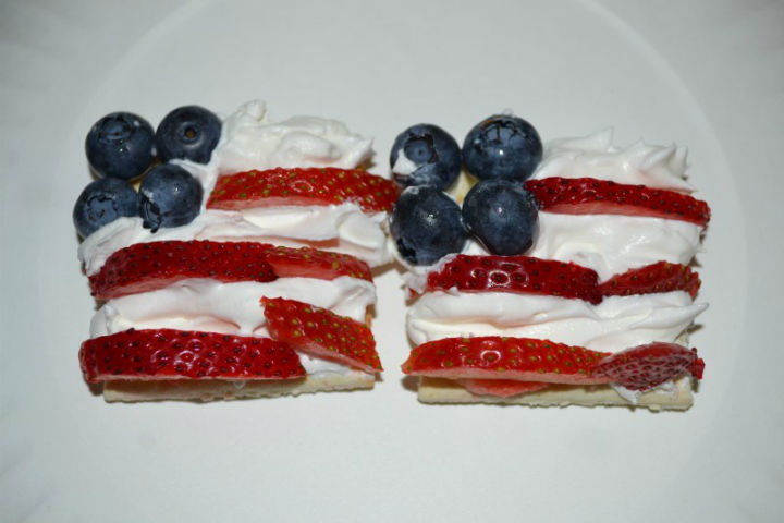 fourth-of-july-crackers-snack